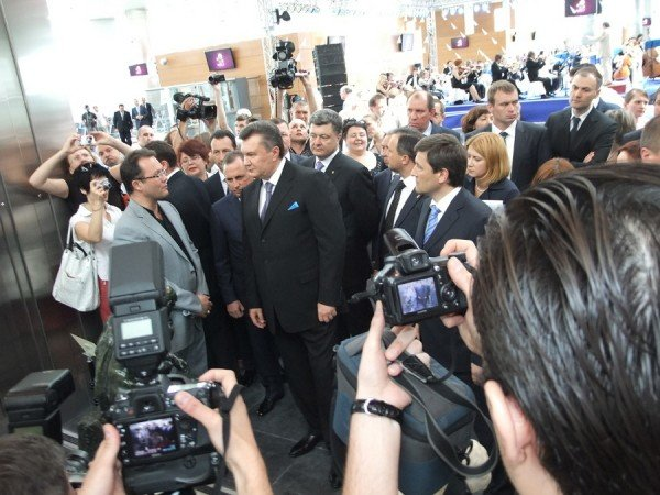 Янукович открыл новый донецкий аэропорт (фото), фото-9