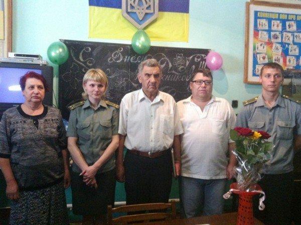 Школа за решеткой: четыре заключенных Артемовского СИЗО получили аттестаты о среднем образовании, фото-3