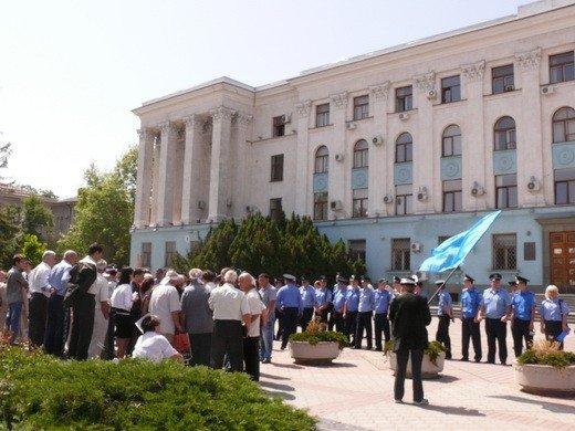 Крымскотатарские оппозиционеры решили голодать под Совмином (фото), фото-1