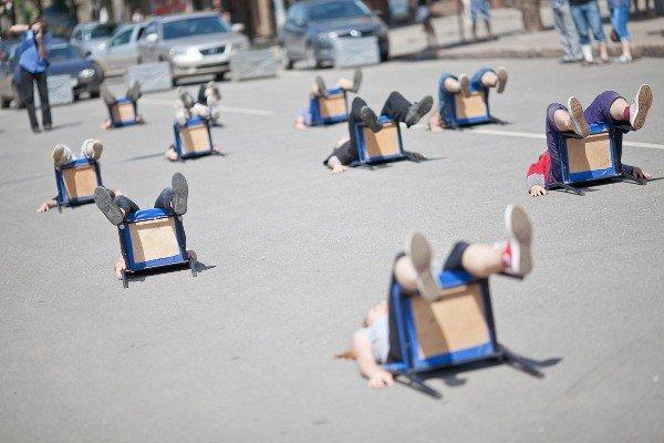 Уличный театр в Кривом Роге сопровождали погодные спецэффекты (ФОТО), фото-6