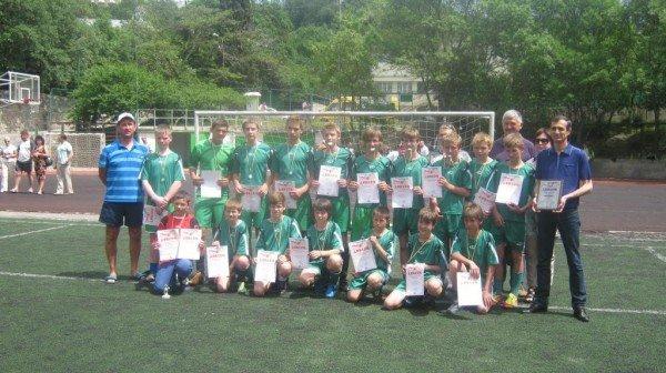 В Ялте наградили победителей городского юношеского чемпионата по футболу, фото-1
