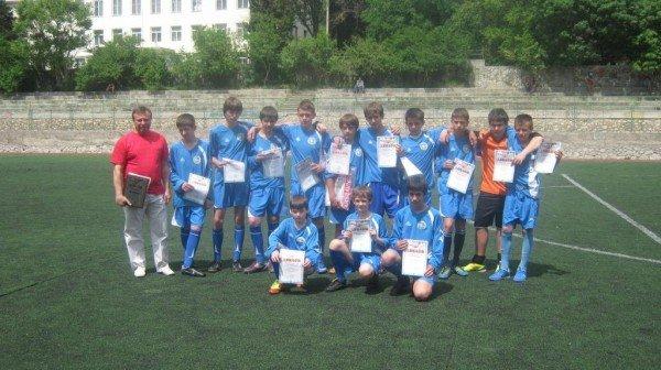 В Ялте наградили победителей городского юношеского чемпионата по футболу, фото-2