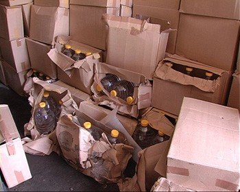 В Донецкой области в гараже хранилось 10 тонн контрабандного спирта (фото), фото-1