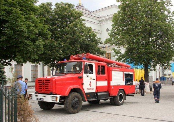 Донецкий железнодорожный вокзал оцепила милиция, проверяя информацию о заминировании  (фото), фото-5