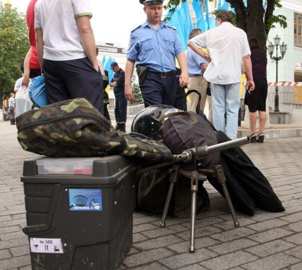 Донецкий железнодорожный вокзал оцепила милиция, проверяя информацию о заминировании  (фото), фото-3