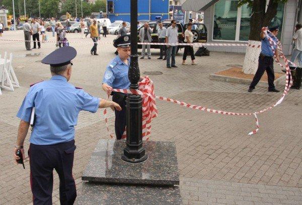 Донецкий железнодорожный вокзал оцепила милиция, проверяя информацию о заминировании  (фото), фото-7