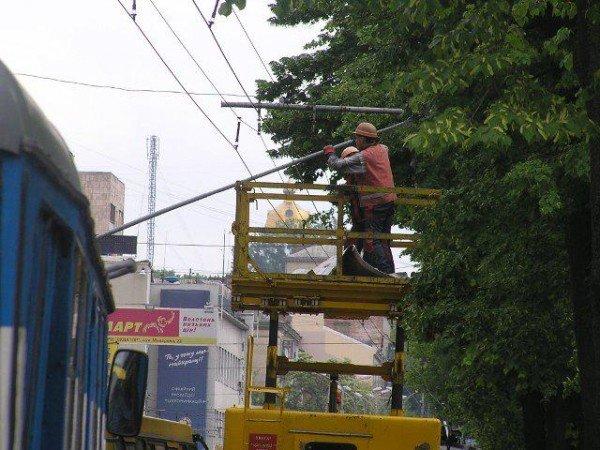 У центрі Рівного через тролейбуси знову затори (ФОТО), фото-3