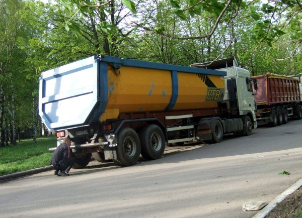По улицам Донецка без спецсопровождения возят мины и снаряды (фото), фото-1