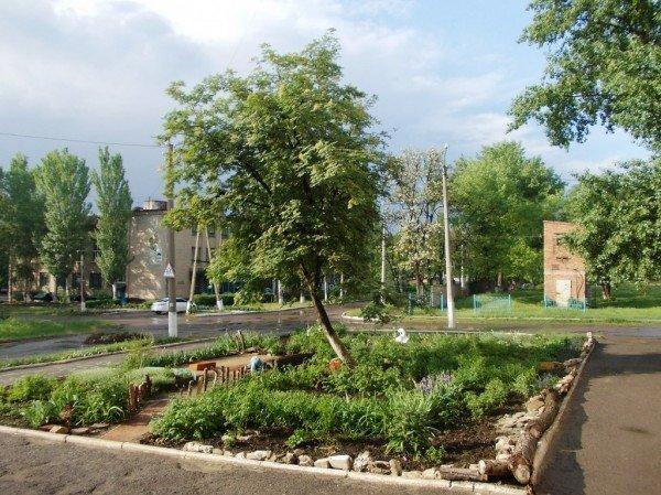 Сайт 06274 ищет самые красивые дворы Артемовска, фото-1