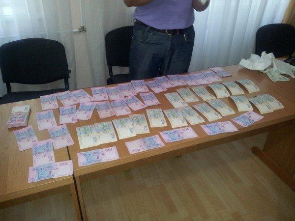 В СБУ показали деньги, которые мэр Александровска Греков якобы собирался распределить с подельниками (ФОТО), фото-1