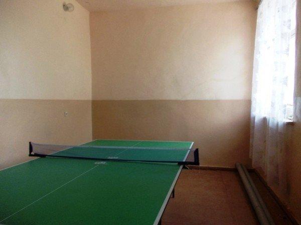 В Артемовске жители дома по улице Циолковского, 27 переоборудовали старый подвал в тренажерный зал, фото-5