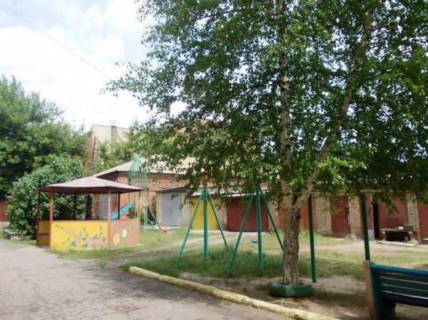 В Артемовске жители дома по улице Циолковского, 27 переоборудовали старый подвал в тренажерный зал, фото-7