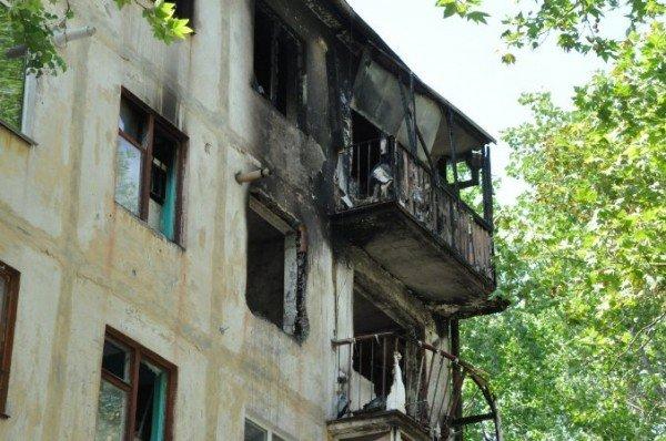 В Крыму пожар уничтожил квартиру: два человека пострадали (изменено, фото), фото-1