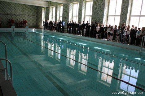 У Луцькій школі відмовились від хлору в басейні (ФОТО), фото-3