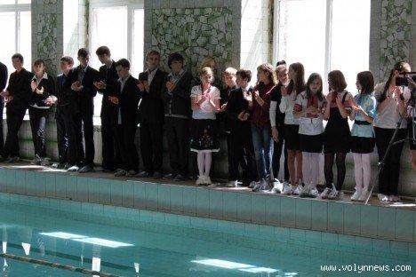У Луцькій школі відмовились від хлору в басейні (ФОТО), фото-4