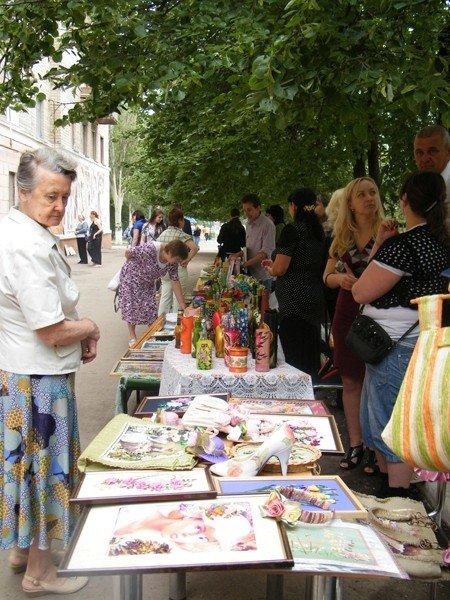 В Горловском художественном музее сегодня прошёл фестиваль «ART-ярмарка», фото-2