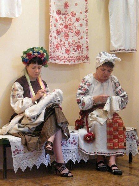 В Горловском художественном музее сегодня прошёл фестиваль «ART-ярмарка», фото-9
