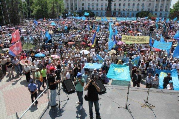 ФОТОРЕПОРТАЖ: В Симферополе проходит траурный митинг памяти, фото-6