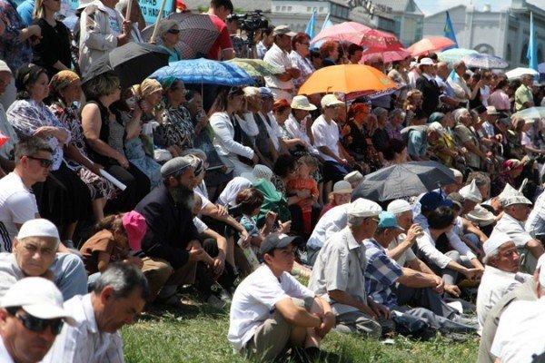 ФОТОРЕПОРТАЖ: В Симферополе проходит траурный митинг памяти, фото-7