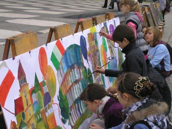 День Європи у Рівному: польський Президент, шкільний парад та жаба Володимира Хомка (ФОТО), фото-12