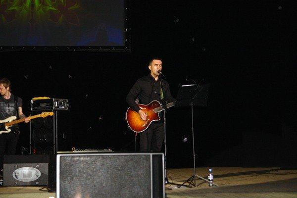 Бутусов в Горловке спел всеми любимые песни «Гудбай, Америка», «Крылья», «Апостол Андрей», фото-2