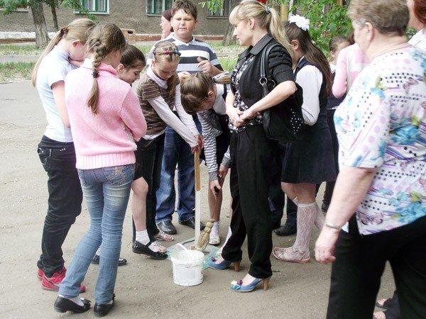 Горловская молодёжь «проложила» дорогу в музей, фото-1