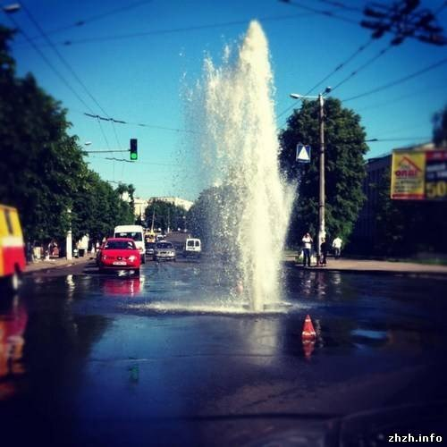 Вчера житомирян удивили новым фонтаном на Большой Бердичевской (ФОТО), фото-2