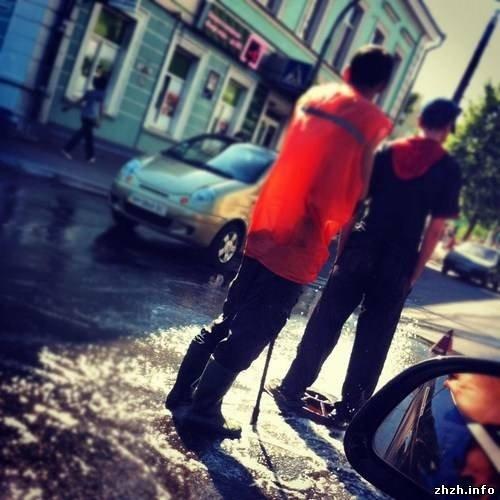 Вчера житомирян удивили новым фонтаном на Большой Бердичевской (ФОТО), фото-3