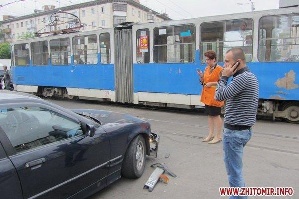 ДТП в центре Житомира парализовало движение трамваев и троллейбусов (ФОТО), фото-3
