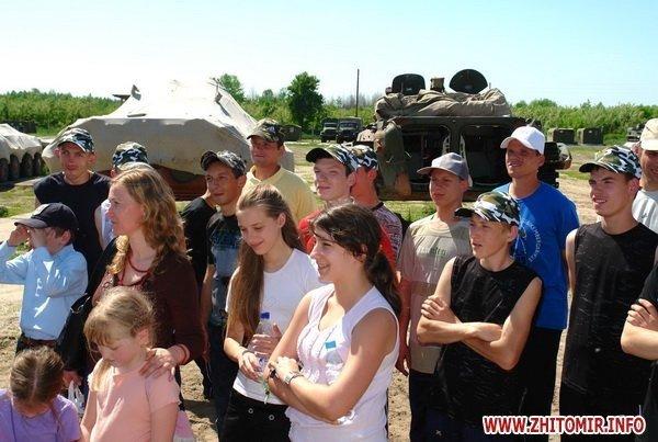 60 детей «оккупировали» военный полигон 8-го армейского корпуса под Житомиром (ФОТО), фото-1