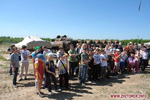 60 детей «оккупировали» военный полигон 8-го армейского корпуса под Житомиром (ФОТО), фото-2