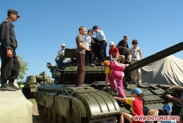 60 детей «оккупировали» военный полигон 8-го армейского корпуса под Житомиром (ФОТО), фото-3