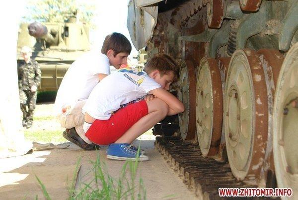 60 детей «оккупировали» военный полигон 8-го армейского корпуса под Житомиром (ФОТО), фото-4