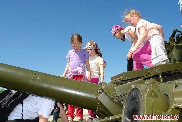 60 детей «оккупировали» военный полигон 8-го армейского корпуса под Житомиром (ФОТО), фото-5