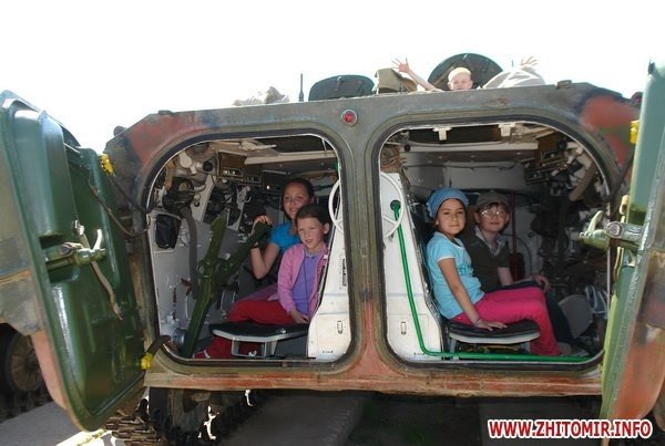 60 детей «оккупировали» военный полигон 8-го армейского корпуса под Житомиром (ФОТО), фото-6