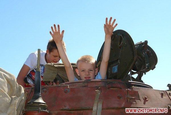60 детей «оккупировали» военный полигон 8-го армейского корпуса под Житомиром (ФОТО), фото-7