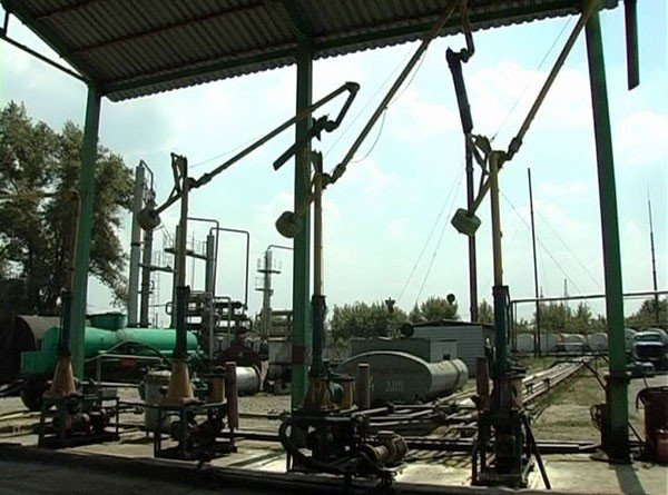 Под Донецком работал нелегальный завод по переработке нефтепродуктов, который обеспечивал целую сеть АЗС (фото), фото-3