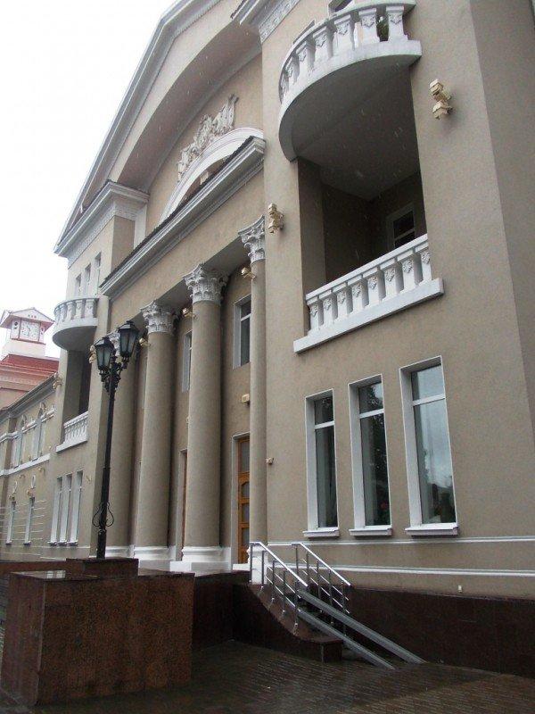 Инвалиды Артемовска не могут попасть в центральное ДК. Проектировщик считает, что пандус изуродует здание, фото-3