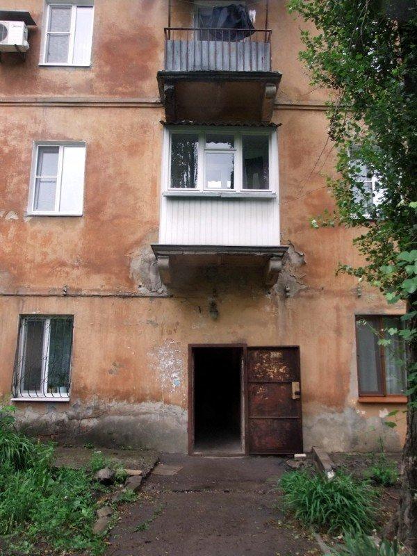 В центре Донецка обвалился балкон, на котором находились люди (фото), фото-6