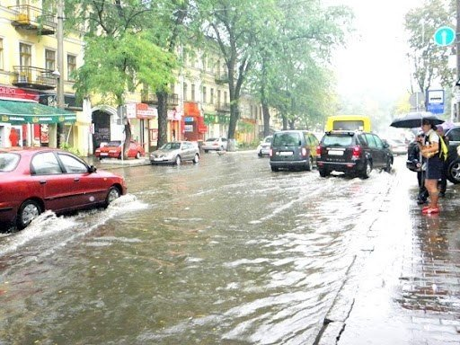 Стихийное бедствие в Одессе. Проливной дождь парализовал город (Фото, Видео), фото-4