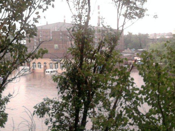 Великий потоп в Донецке привел к транспортному коллапсу и гибели человека (фото, видео), фото-2