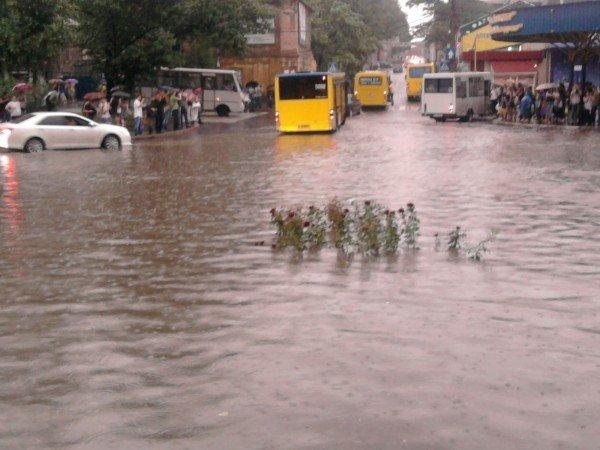 Великий потоп в Донецке привел к транспортному коллапсу и гибели человека (фото, видео), фото-4