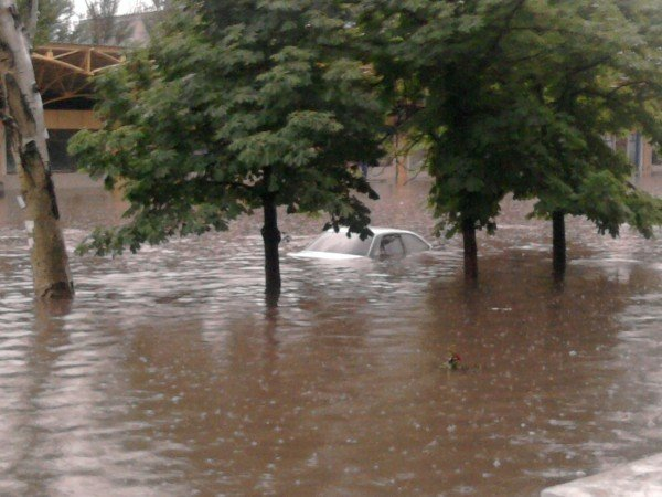 Великий потоп в Донецке привел к транспортному коллапсу и гибели человека (фото, видео), фото-5