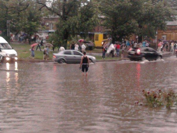 Великий потоп в Донецке привел к транспортному коллапсу и гибели человека (фото, видео), фото-6