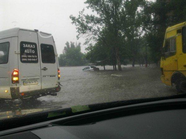 Великий потоп в Донецке привел к транспортному коллапсу и гибели человека (фото, видео), фото-1