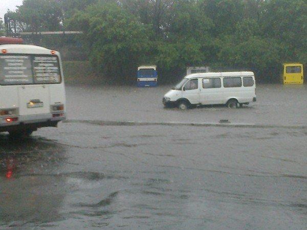 Великий потоп в Донецке привел к транспортному коллапсу и гибели человека (фото, видео), фото-7