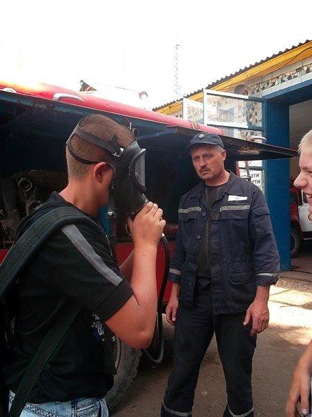 Ученики горловской школы №15 на один день превратились в пожарных, фото-2
