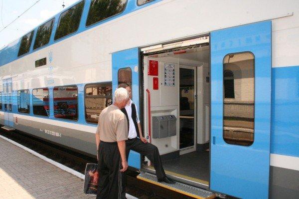 Яка шкода! Первый поезд Skoda «Донецк-Харьков» уехал, не дождавшись пассажиров (фото), фото-3
