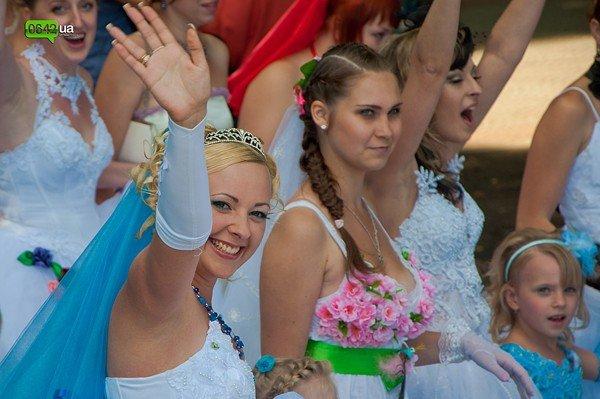 В Луганске прошел «Парад невест 2012» (ФОТО), фото-5