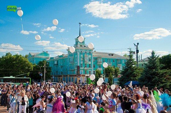 В Луганске прошел «Парад невест 2012» (ФОТО), фото-8